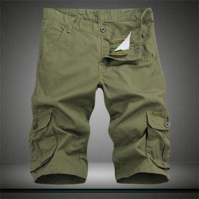 Short en toile pour homme avec multiples poches genoux côtés