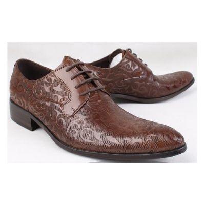 Brown Chaussures de costume en cuir avec motif fantaisie feuilles - marrons