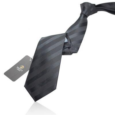 Cravate noire avec rayures mates et brillantes