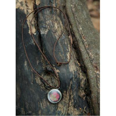 Collier avec pendentif nature feuille encapsulée