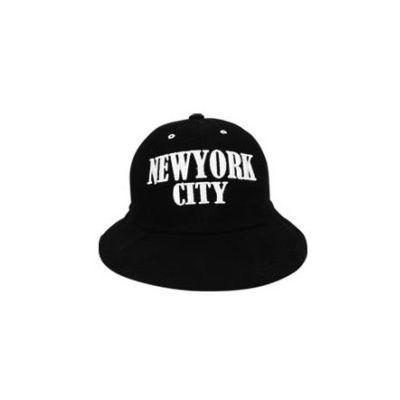 Bob Arrondi Swag New York Broderie Rouge Blanc Noir