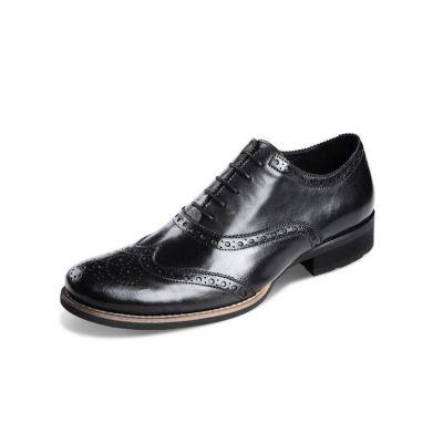 Chaussures de costume en cuir avec pointillés fantaisie - noires