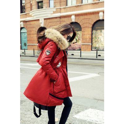 Manteau Parka avec capuche à fourrure badges brodés pour femme