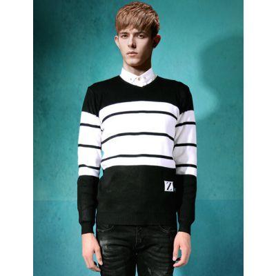 Pullover en tricot à col V avec motif à rayures larges