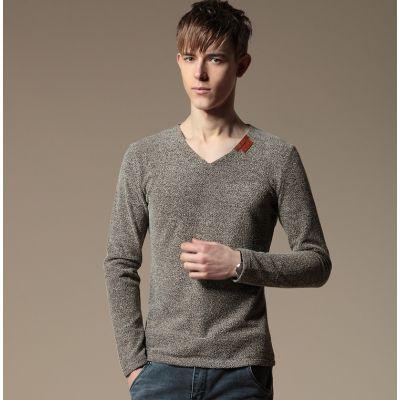 Pullover fin pour homme en col V avec détail couleur au cou