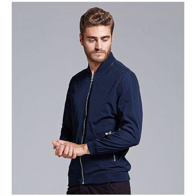Veste sport pour homme avec poches côtés et épaulières en mesh