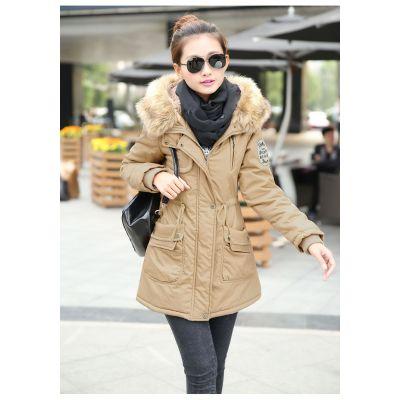 Manteau trench pour femme avec capuche lignée de fourrure