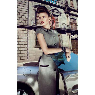 Robe fashion femme avec petite ceinture cuir et fermeture bouton