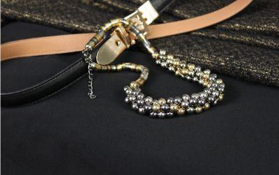 Collier fantaisie pour femmes avec perles et mailles en métal épaisses
