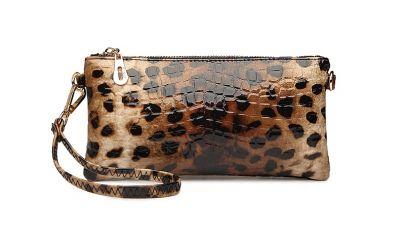 Petit sac à main pochette avec petite lanière et détail doré en imiation cuir
