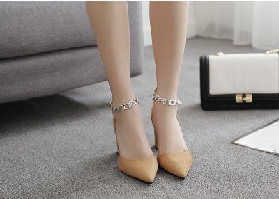 Chaussures à talon pointues avec bride cheville effet chaine