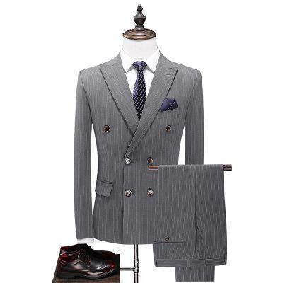 Costume 3 pièces pour homme à double boutonnage et rayures