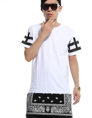 T shirt long Rajout Bandana Paisley Motif Croix sur les Manches Courtes