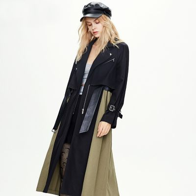 Trench long bi-color en coton avec ceinture en skaï