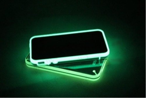 ACIP005 coque iphone 4 4S fluo lumineuse 01
